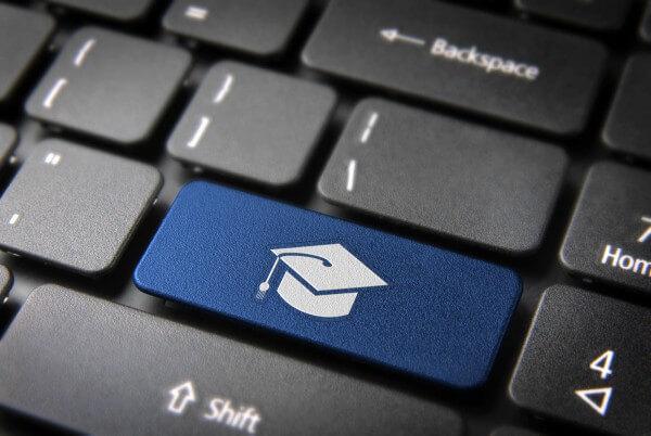 A educação digital norteia redações do ENEM e a reflexão de jovens brasileiros
