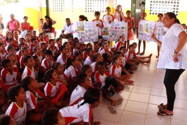 Denise Franco oferece projeto especializado em educação emocional a escolas