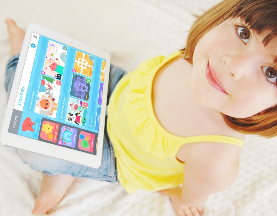 Acesso à aplicativo de ensino de língua inglesa aumenta 10% nas férias