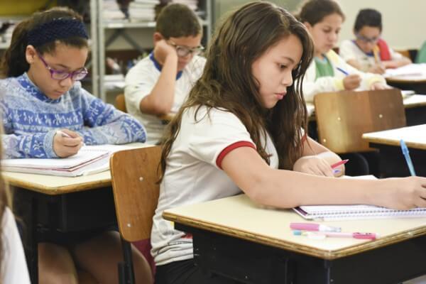 3,7 milhões de alunos voltam às salas de aula da rede estadual